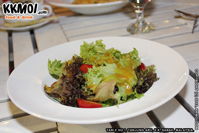 tbl1_salad